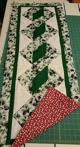 2331 best QUILTED TABLE RUNNERS images on Pinterest | Fabrics ... & Pole Twist Table Runner - free pattern Adamdwight.com