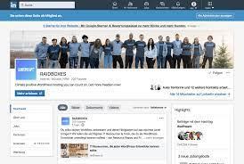 employees with LinkedIn marketing
