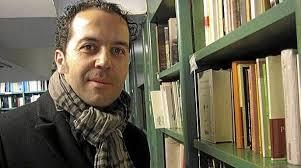 ANA OLIVEIRA LIZARRIBAR - Martes, 29 de Mayo de 2012 -. Alfredo Rodríguez, en una libreria. (Mamen Cózar). PAMPLONA. En esta ocasión, Alfredo Rodríguez ... - todaobraes_1