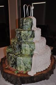 Various Wedding Cake with Camo Themes - Wedding Decor Theme