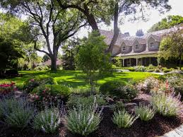 awesome flower bed ideas front bedroommagnificent lush landscaping ideas