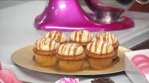 Lunchbreak: Caramel Pumpkin Spice Latte Cupcakes | WGN-TV