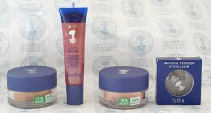 i became a big fan of mineral and organic makeup lately so i was really excited when i was kindly sent some neal s yard remes s to try out