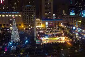 christmas tree lighting chicago. Union Square Christmas Tree At Night Lighting Chicago S