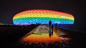 Allianz Arena soll am Mittwoch in Regenbogen-Farben erstrahlen - Druck auf  UEFA wächst - Eurosport