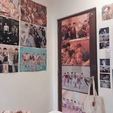 Only the best aesthetic wallpapers. 8 Dekorasi Kamar Untuk Fans Bts Bakal Kece Walau Cuma Pakai Poster