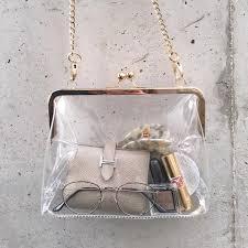 おしゃれさんが持ってるこの夏のマストアイテムクリアバッグを