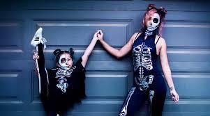 20 <b>Mommy</b>-Daughter <b>Halloween Costume</b> Ideas | CafeMom.com