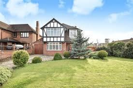 4 Bedroom Detached House For Sale   Fairfield Road, Uxbridge, Middlesex, UB8