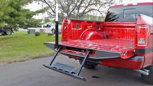 How to Use the Tailgate Step on a 2016 Ford F-150 XLT - YouTube
