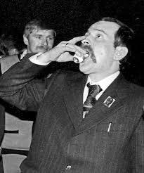 Znalezione obrazy dla zapytania memy z Wałęsą
