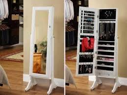 mirror armoire. mirror armoire o
