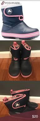 Crocs Crossband Gust Girls Navy Pink Boots J3 Great Pair Of