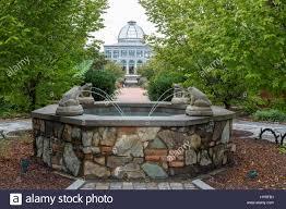 lewis ginter botanical garden fountain conservatory in background