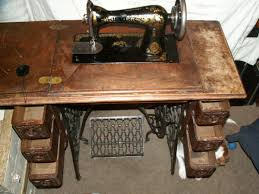 Singer Sewing Machine With Table Worth