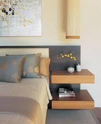 ideas bedside tables pinterest night: quotum quarto que usa o dourado de uma forma muito agradavel e sutil na sua bedside shelvesbedside tablesbed