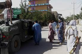 طالبان تسيطر على أهم معبر حدودي بين أفغانستان وإيران