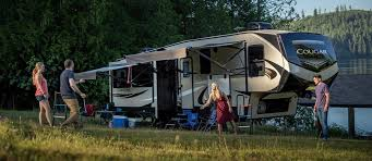 this fifth wheel is built a little diffely than are previous fifth wheel in this keystone cougar the master bedroom is at the back of the fifth wheel
