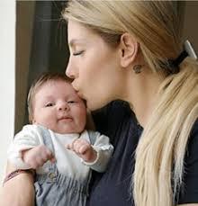 sikano - Paola Caruso piange per il figlio e finisce nella ...