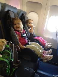 fan laurinda oliver twins ff on plane