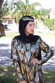 yasemin kanar 25 a fashion ger demonstrates one way to wear a hijab via insram