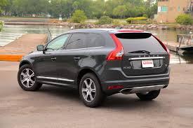 2015 Volvo XC60 vs Volvo V60 Cross Country - AutoGuide.com News