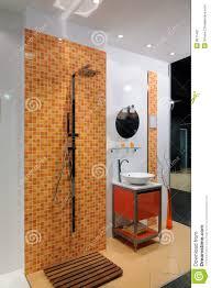 Modernes Orange Badezimmer Stockbild Bild Von Inside 8511481