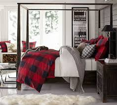 love the boards behind the bed