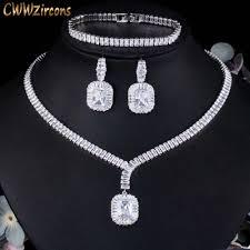 Per il tuo matrimonio potrai sbizzarrirti nella scelta dei gioielli che più ti piacciono ma è assolutamente vietato indossare un anello diverso ci sono un po' di leggende davvero di vario tipo e, a nostro parere parecchio divertenti, che vogliono le perle: Cwwzirconi Nobili Squisiti Dubai Cubic Zirconia Ladies Evening Party Set Di Gioielli Da Sposa Per Spose Accessori Costume T508 Parure Gioielli Da Sposa Aliexpress