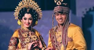 Hasil gambar untuk pernikahan bugis makassar panaik
