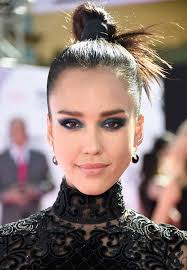 jessica alba bold blue cat eye best makeup looks from the billboard awards 2016