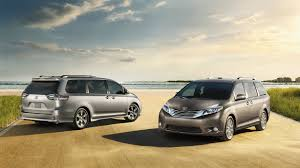 The Spacious 2017 Toyota Sienna Outpaces the Competition