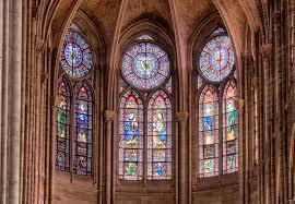 Witraże w katedrze w Chartres. Czy za jeden z nich naprawdę zapłaciły  średniowieczne prostytutki? - WP Turystyka
