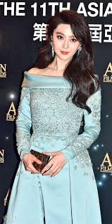 hksar film no top box office the th asian film excellence in asian cinema award winner sammi cheng thanks johnnie to wai ka fai and andy lau but not her husband andy hui