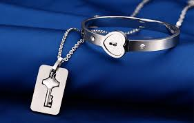 clean snless steel jewelry