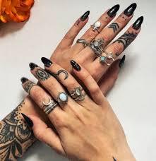 на пальцах Tattoo World