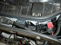 simple question w fuel pump relay where mercedes simple question w126 fuel pump relay where ac relay