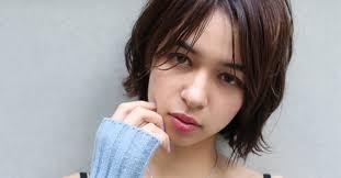 池田エライザの髪型がいつもおしゃカワすぎるウルフぱっつんボブの