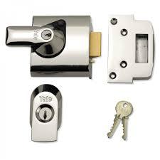 front door lockYale Front Door Lock  PBS1 High Security Nightlatch  60mm