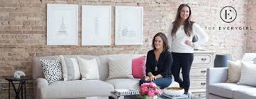 Alaina Kaczmarski and Danielle Moss of The Everygirl - oukas.info