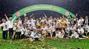 DFB-Pokal-Finale 2018: Eintracht Frankfurt schreibt nach 30 Jahren wieder  Geschichte - FANCLUB MAGAZIN