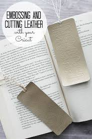 cutting and embossing leather with the cricut maker which cricut machine is right for you we are looking at the cricut maker versus the cricut explore air