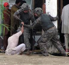 floods in essay u s military in responds to flood  u s military in responds to flood catastrophe