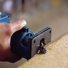 how to use a router to trim countertop laminate edges