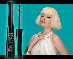 so of course i had to try their new queen atude mascara regular 12 99 curly on offer at 8 99 when i spotted it on the shelf recently