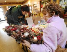 Of Wreaths Festival Of Wreaths Returns To Carroll Arts Center Carroll