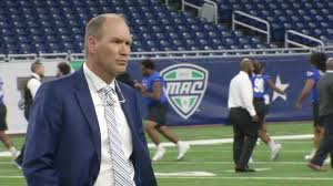 Lance Leipold, UB agree to contract extension