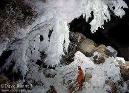 these are depicted in the lower two images shot in the so called chandelier ballroom another cave famous for its chandeliers is the kupp coutunn cave in