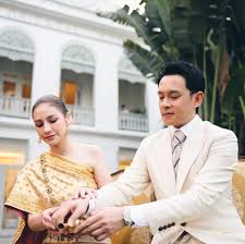 """ภาพบรรยากาศงานแต่ง """"นาตาลี-ฟลุค เกริกพล""""  เรียบหรูแต่ดูดีตามสไตล์ไฮโซของเมืองไทย – Wedding List"""