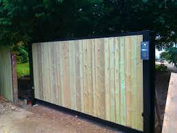 sliding gate steel with wood cladding